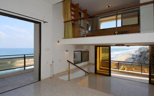 בית עם נוף לים