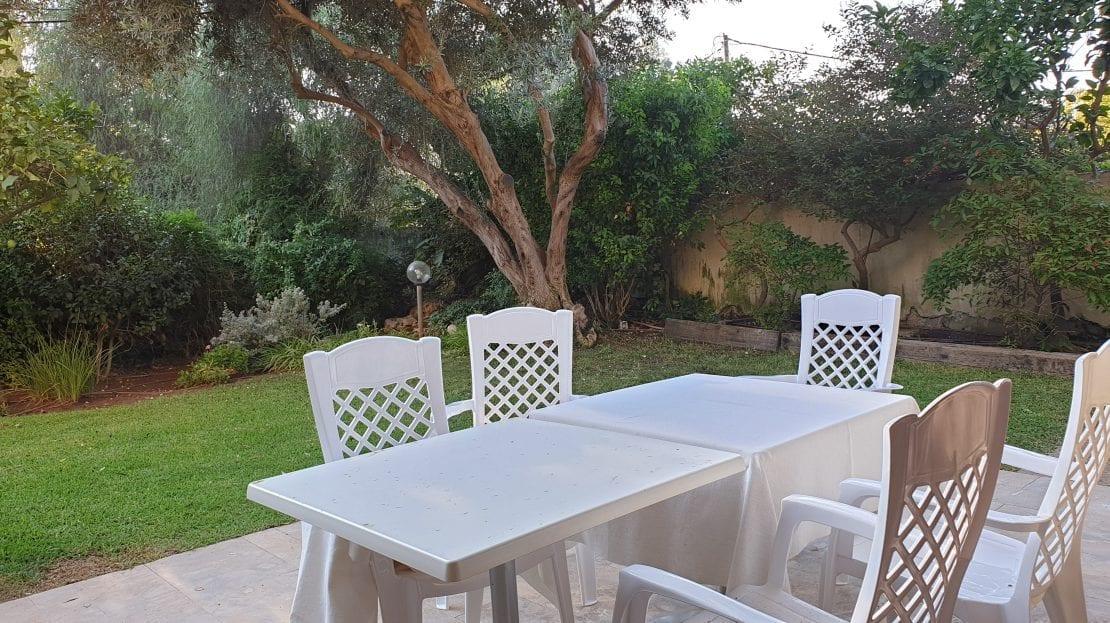 פינת ישיבה בגינה